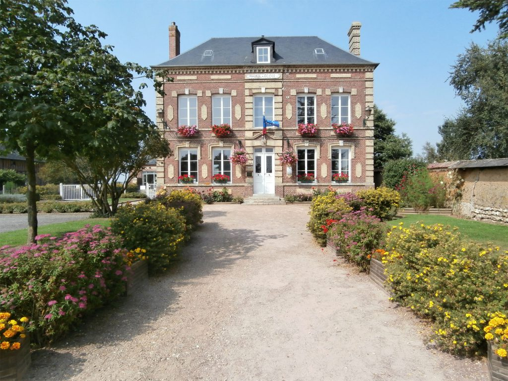 Mairie Crosville la Vieille